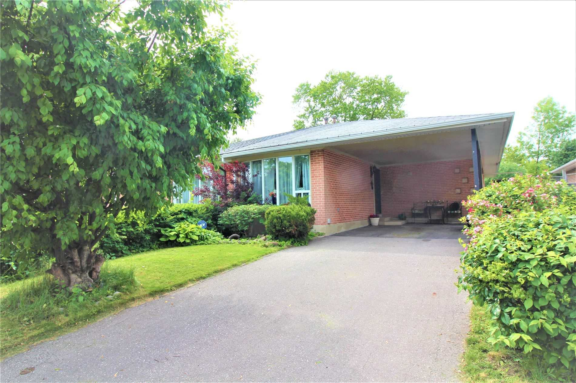 For Sale: 2457 Yeovil Road, Mississauga, ON | 3 Bed, 2 Bath Townhouse for $829990.00. See 20 photos!
