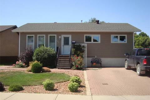 House for sale at 246 5th Ave SE Swift Current Saskatchewan - MLS: SK782967