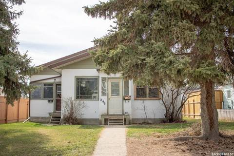 Townhouse for sale at 246 7th Ave NW Swift Current Saskatchewan - MLS: SK767914