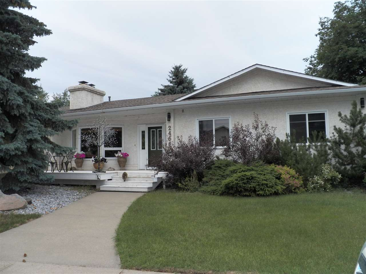 For Sale: 246 Greenoch Crescent, Edmonton, AB   4 Bed, 3 Bath House for $599,900. See 23 photos!