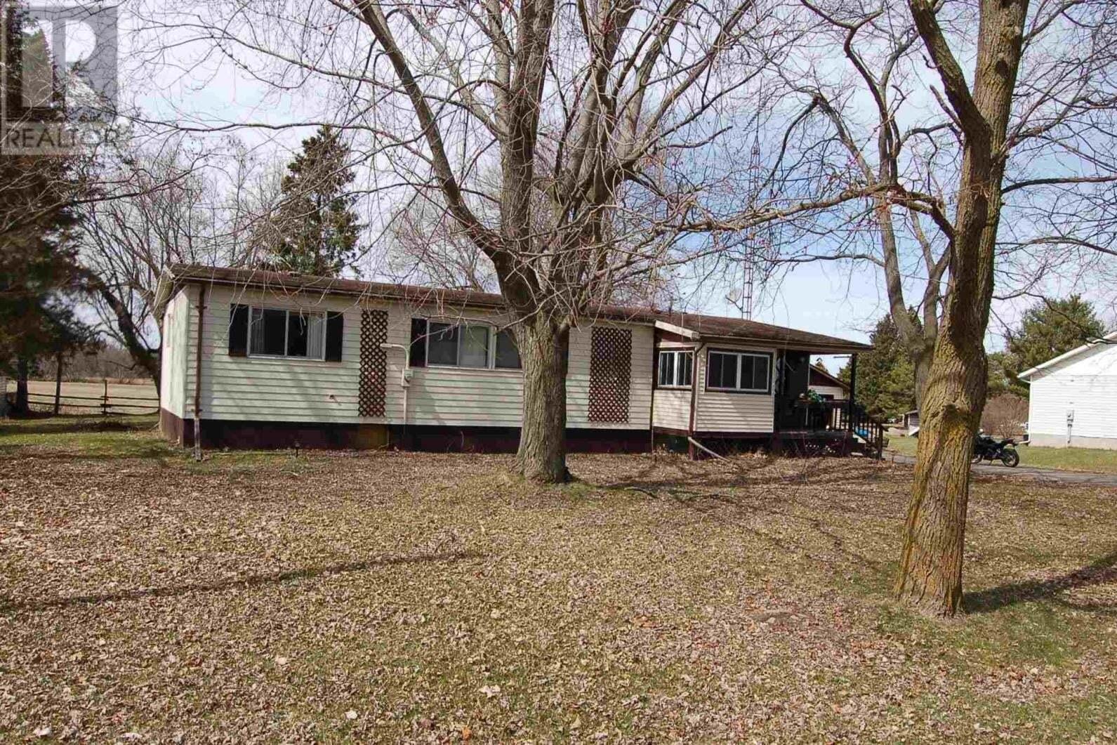 House for sale at 246 Main St Elgin Ontario - MLS: K20001908