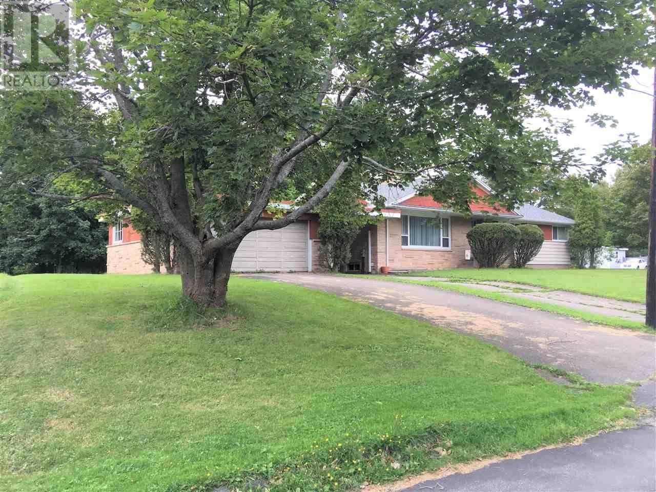 House for sale at 246 Mitchell St New Glasgow Nova Scotia - MLS: 201927041