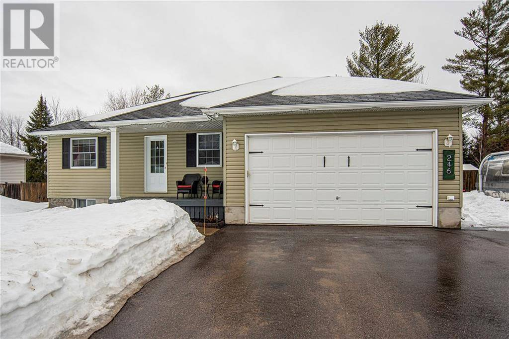 House for sale at 246 Oriole Cres Petawawa Ontario - MLS: 1184474