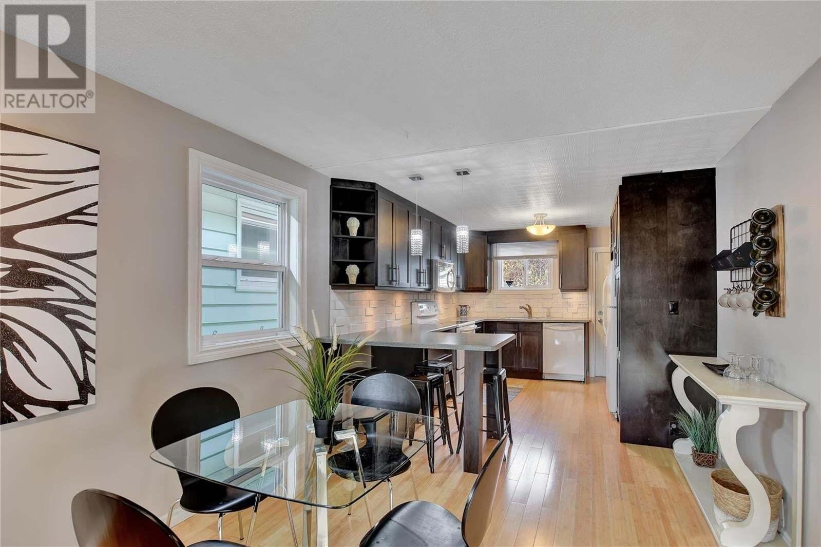 House for sale at 2464 Atkinson St Regina Saskatchewan - MLS: SK828536
