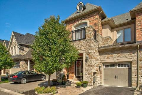 Townhouse for sale at 2471 Village Common  Oakville Ontario - MLS: W4787329