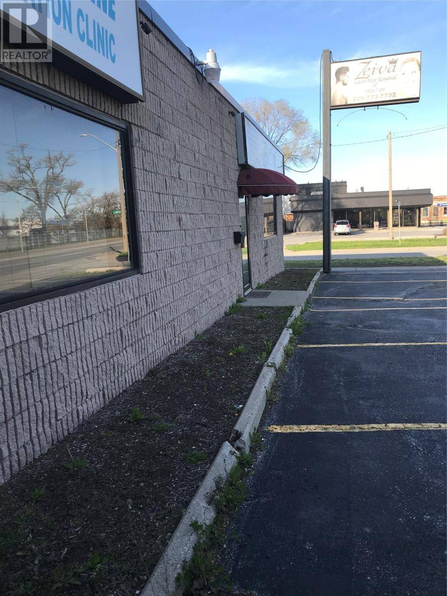 Commercial property for lease at 2486 Tecumseh Rd East Windsor Ontario - MLS: 19018033