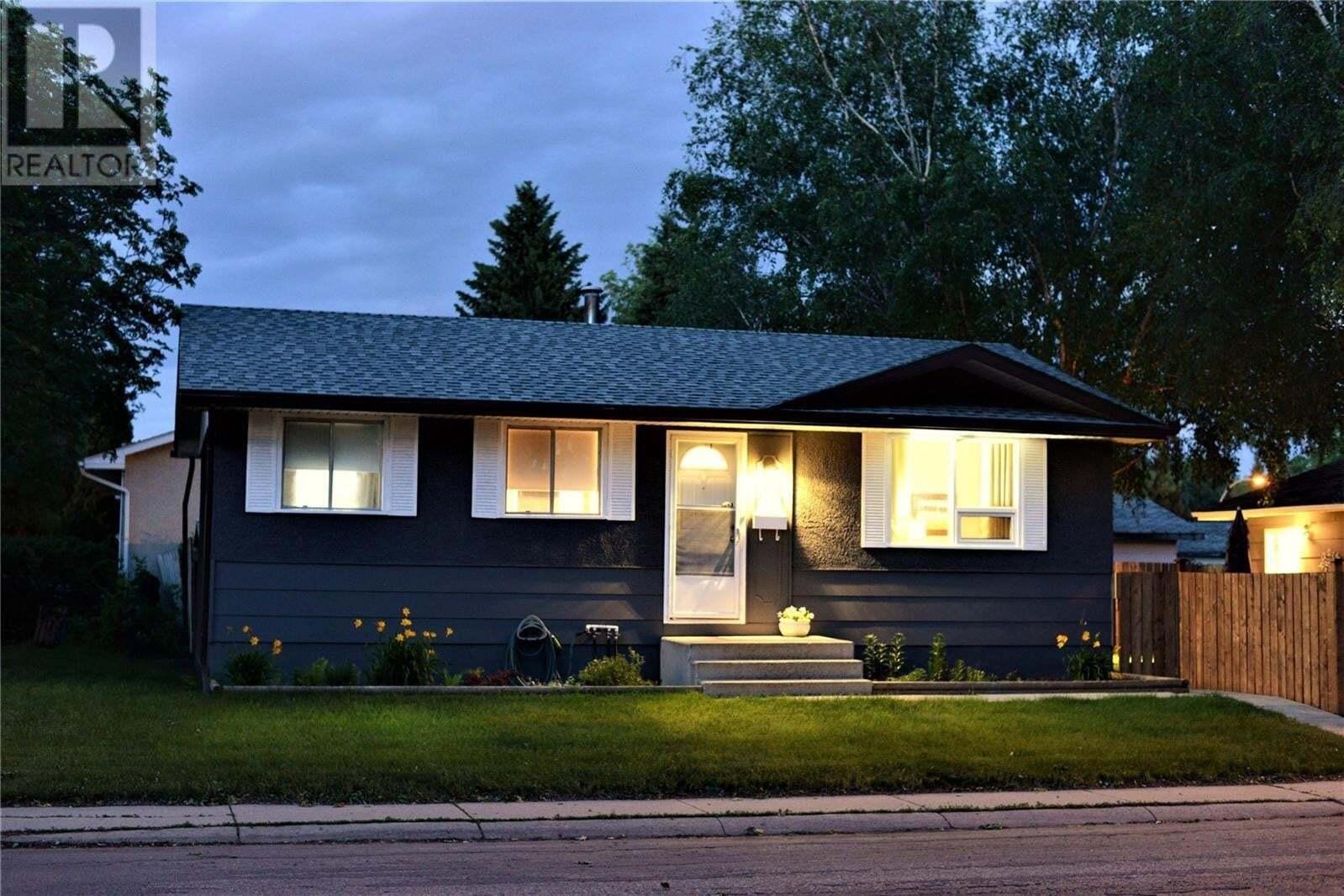 House for sale at 249 Cartier Cres Saskatoon Saskatchewan - MLS: SK809643