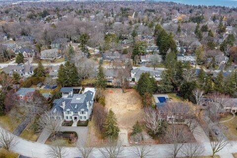 Residential property for sale at 249 Elton Park Rd Oakville Ontario - MLS: W4780897