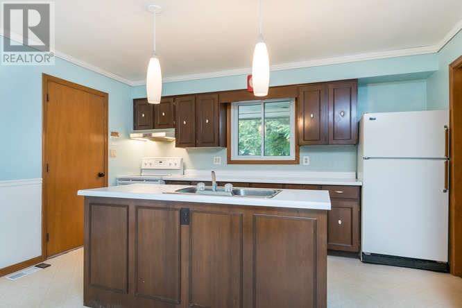 For Sale: 249 Riverview Drive, Strathroy, ON | 3 Bed, 2 Bath House for $419,900. See 43 photos!