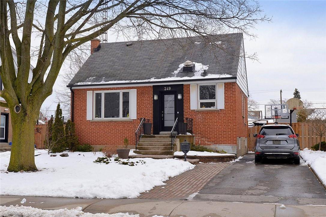 House for sale at 249 32nd St West Hamilton Ontario - MLS: H4072244