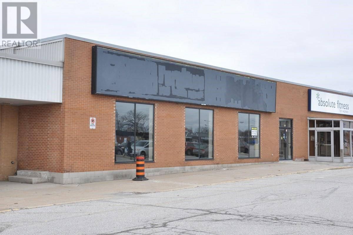 Commercial property for lease at 2491 Dougall  Windsor Ontario - MLS: 19012388