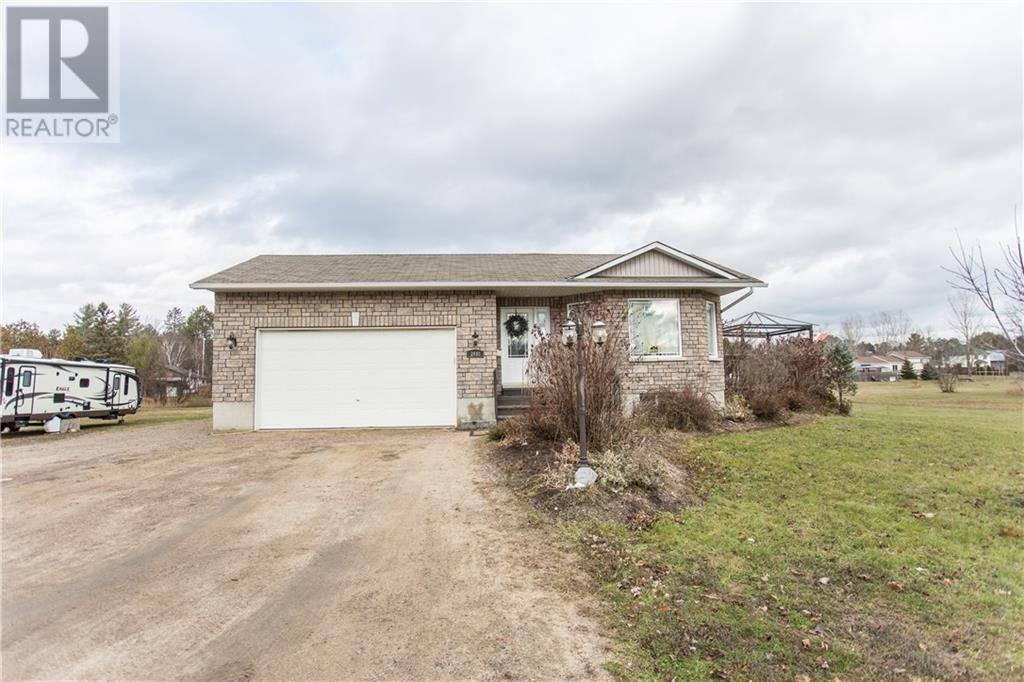House for sale at 2491 Petawawa Blvd Petawawa Ontario - MLS: 1176386