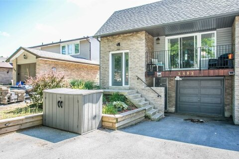 Townhouse for rent at 2493 Cobbinshaw Circ Mississauga Ontario - MLS: W5069864