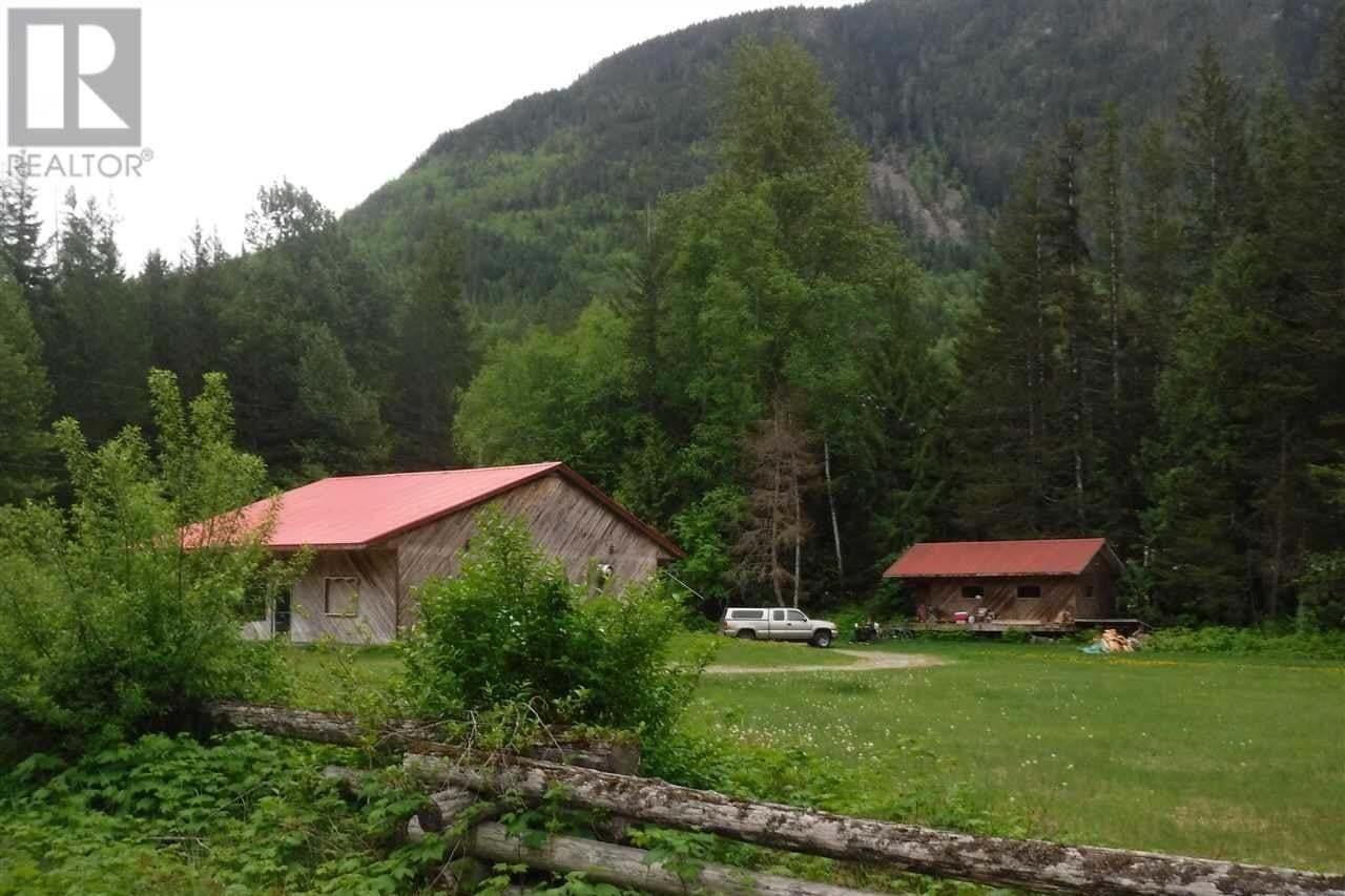 House for sale at 2498 Douglas Dr Bella Coola British Columbia - MLS: R2458254