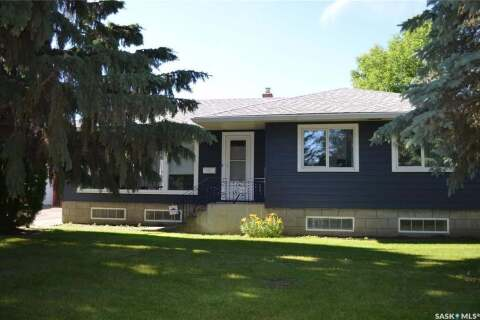 House for sale at 25 22nd St E Prince Albert Saskatchewan - MLS: SK817043