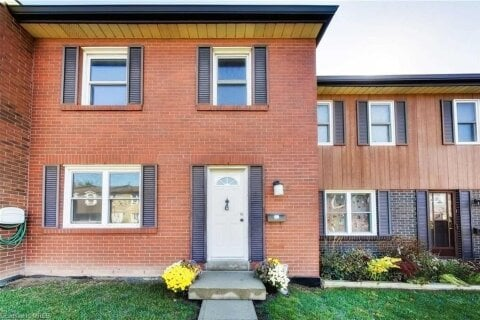 Townhouse for sale at 2825 Gananoque Dr Unit 25 Peel Ontario - MLS: 40039243