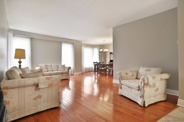For Sale: 25 - 5255 Lakeshore Road, Burlington, ON | 2 Bed, 3 Bath Condo for $699,000. See 20 photos!
