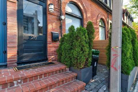 Townhouse for sale at 25 Belmont St Toronto Ontario - MLS: C4874881