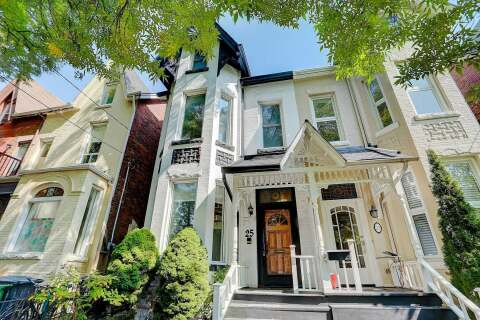 Townhouse for sale at 25 Borden St Toronto Ontario - MLS: C4933124