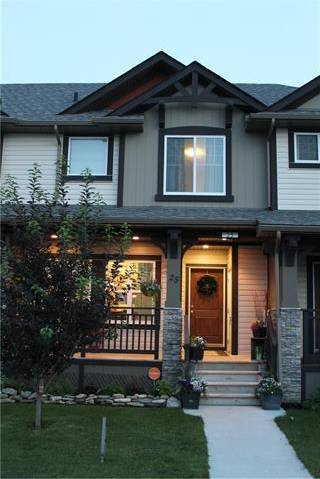 Townhouse for sale at 25 Clydesdale Pl Cochrane Alberta - MLS: C4263766