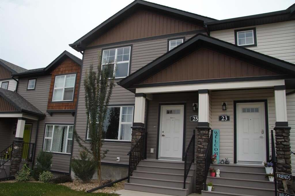 Townhouse for sale at 25 Crestview Blvd Sylvan Lake Alberta - MLS: CA0190218