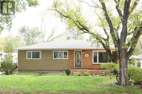House for sale at 25 Dunning Cres Regina Saskatchewan - MLS: SK788038