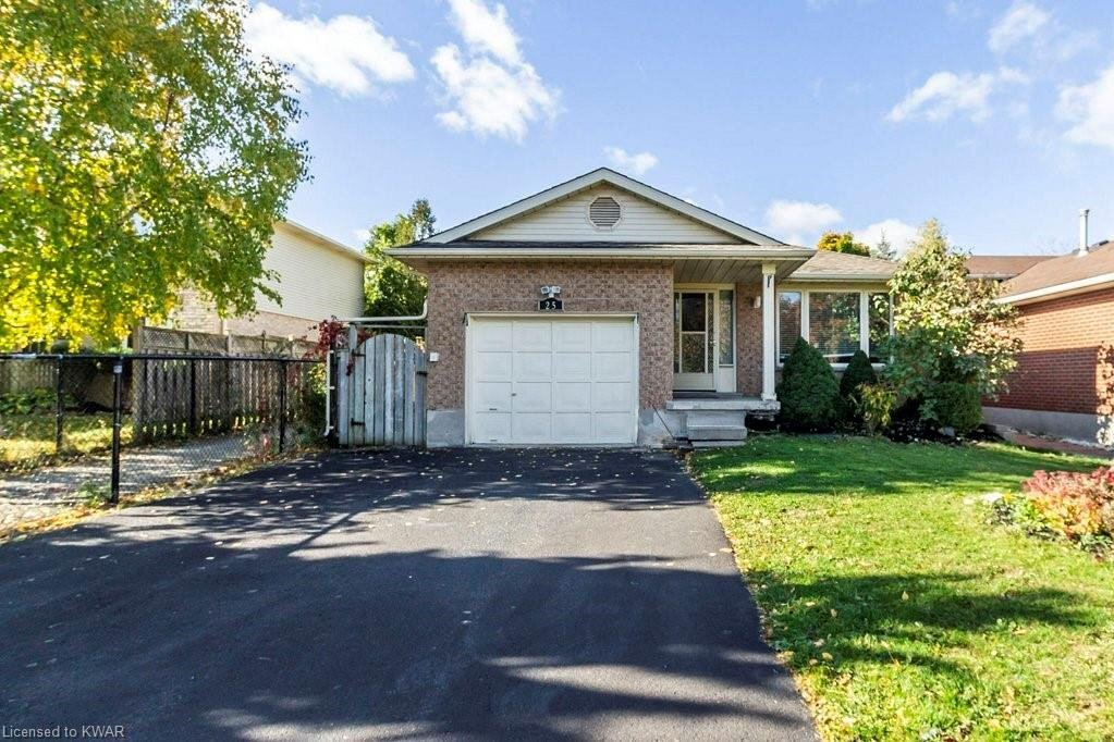 House for sale at 25 Erbsville Ct Waterloo Ontario - MLS: 40035472