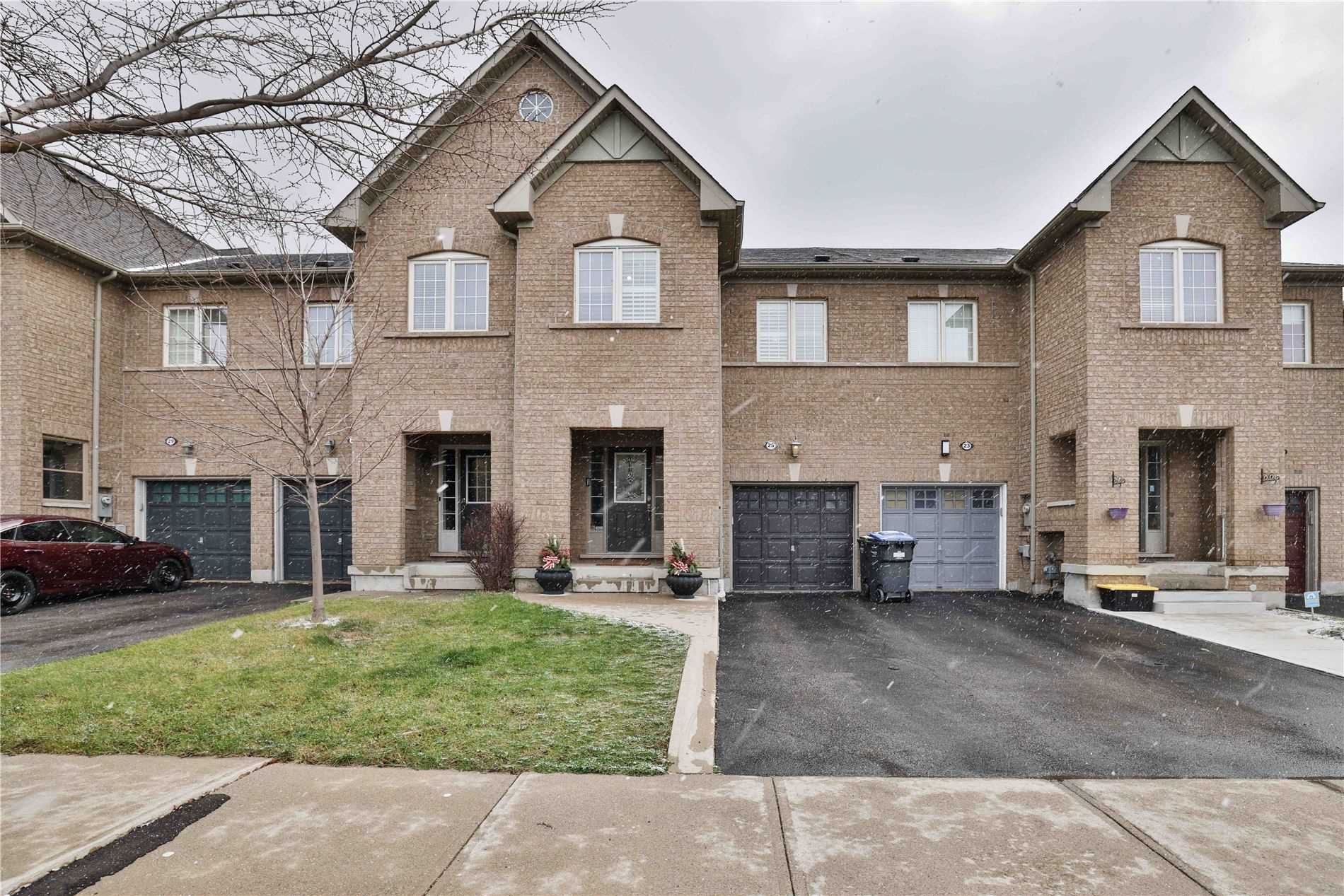 For Sale: 25 Evanwood Crescent, Brampton, ON | 3 Bed, 3 Bath Townhouse for $749888.00. See 40 photos!