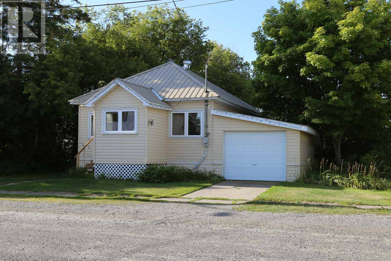 House for sale at 25 Lorne St W Thessalon Ontario - MLS: SM126769