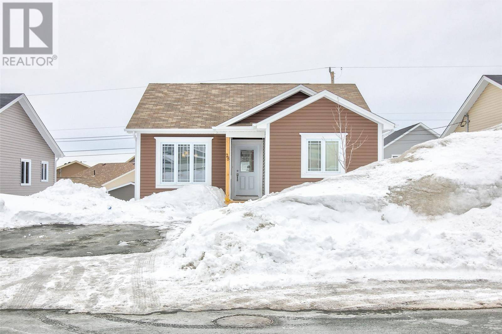 House for sale at 25 Moffatt Rd Mount Pearl Newfoundland - MLS: 1211843
