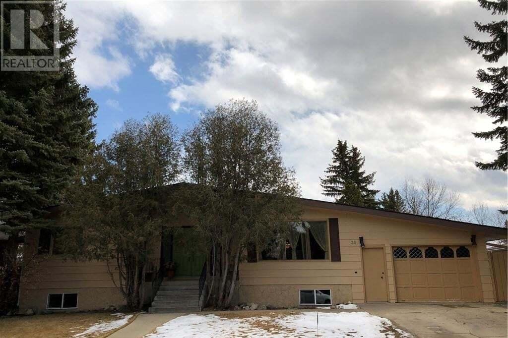 House for sale at 25 Queens Rte Lethbridge Alberta - MLS: LD0191980
