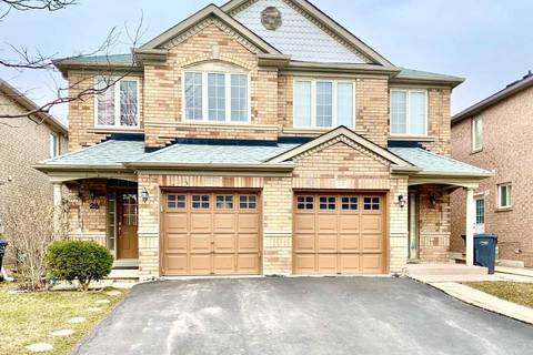 Townhouse for sale at 25 Sand Cherry Cres Brampton Ontario - MLS: W4728382