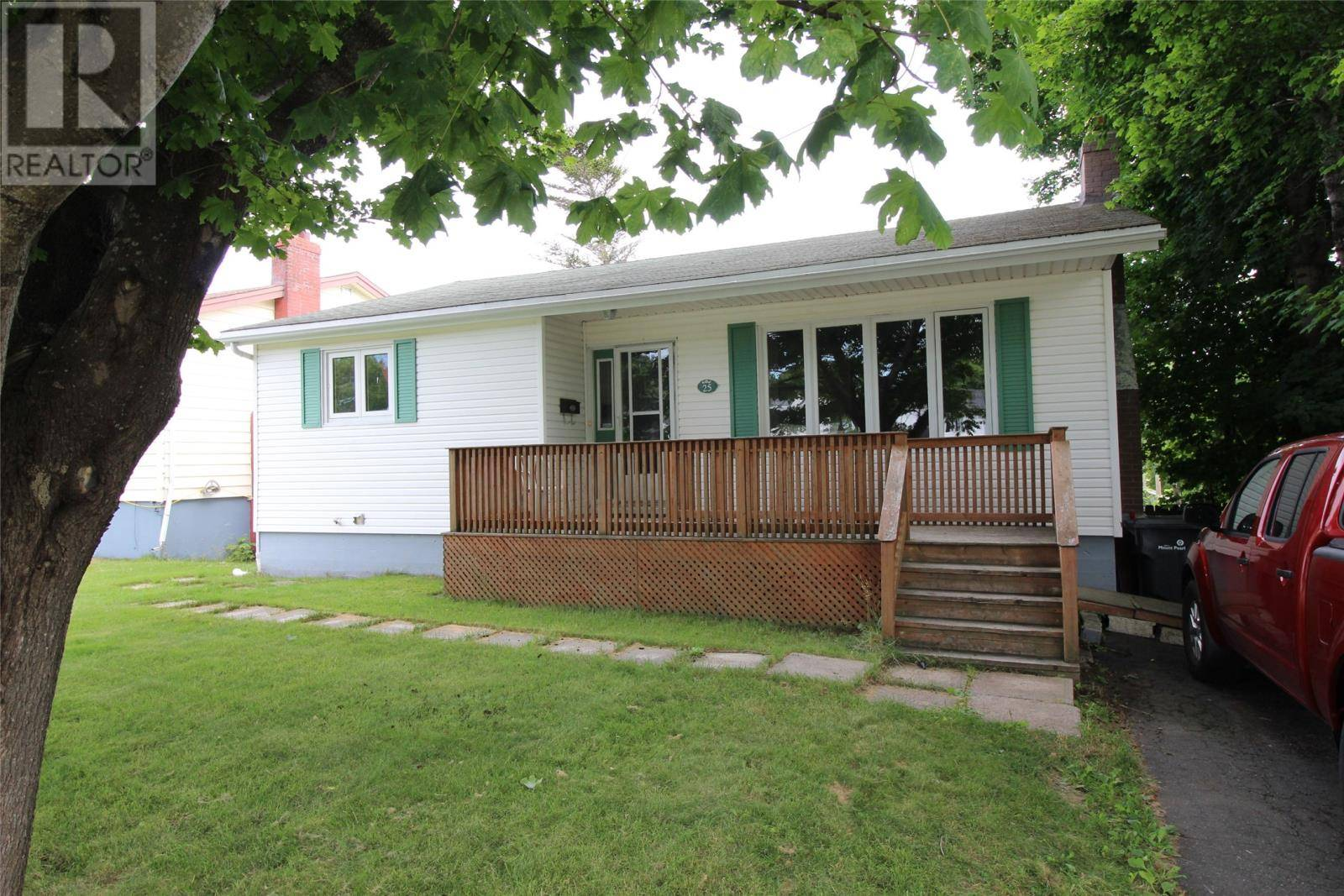 House for sale at 25 Smallwood Dr Mt. Pearl Newfoundland - MLS: 1201070
