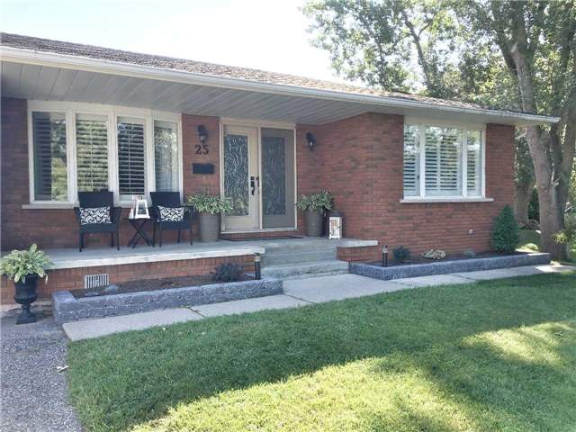 Sold: 25 Ward Street, Whitby, ON