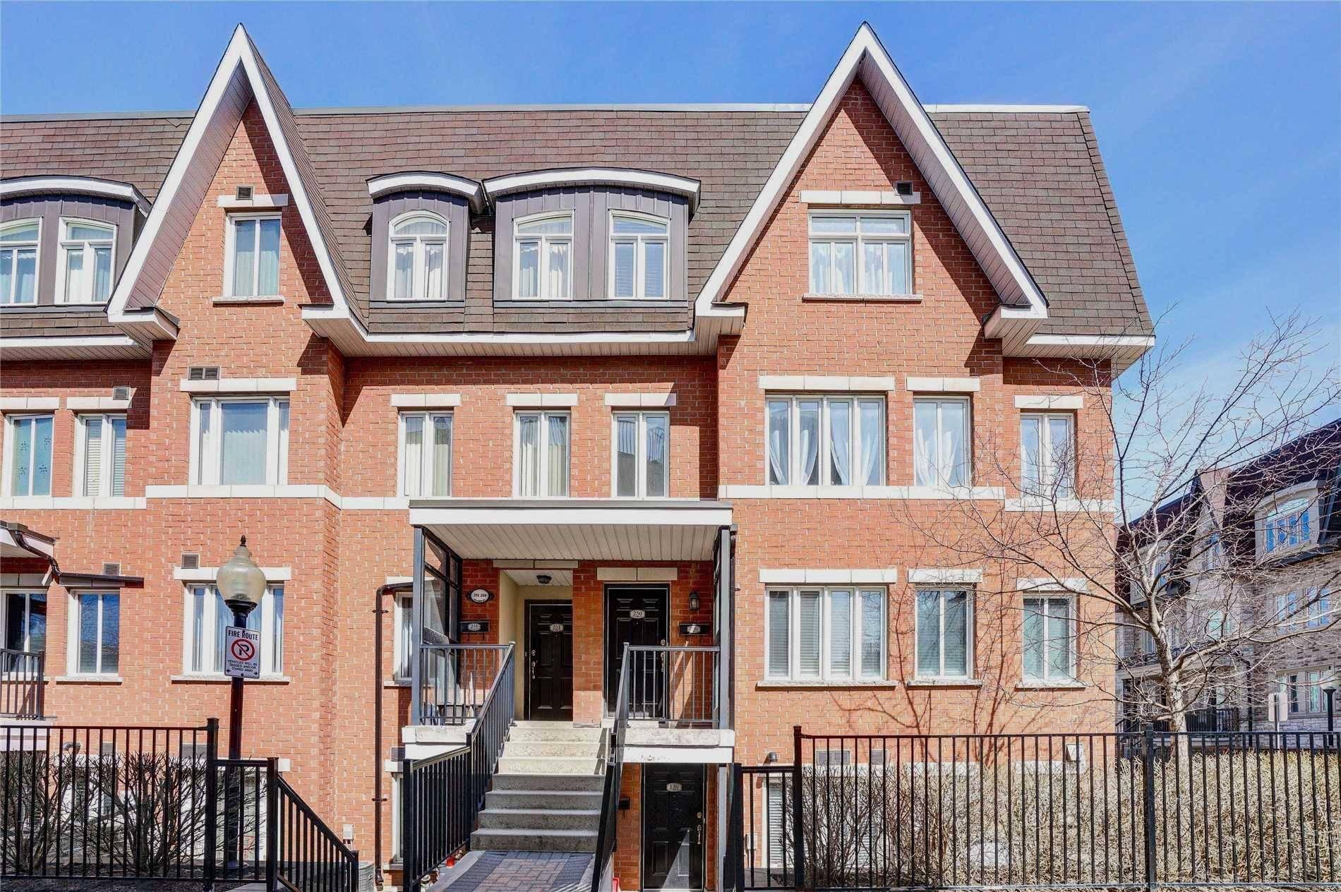 Buliding: 316 John Street, Markham, ON