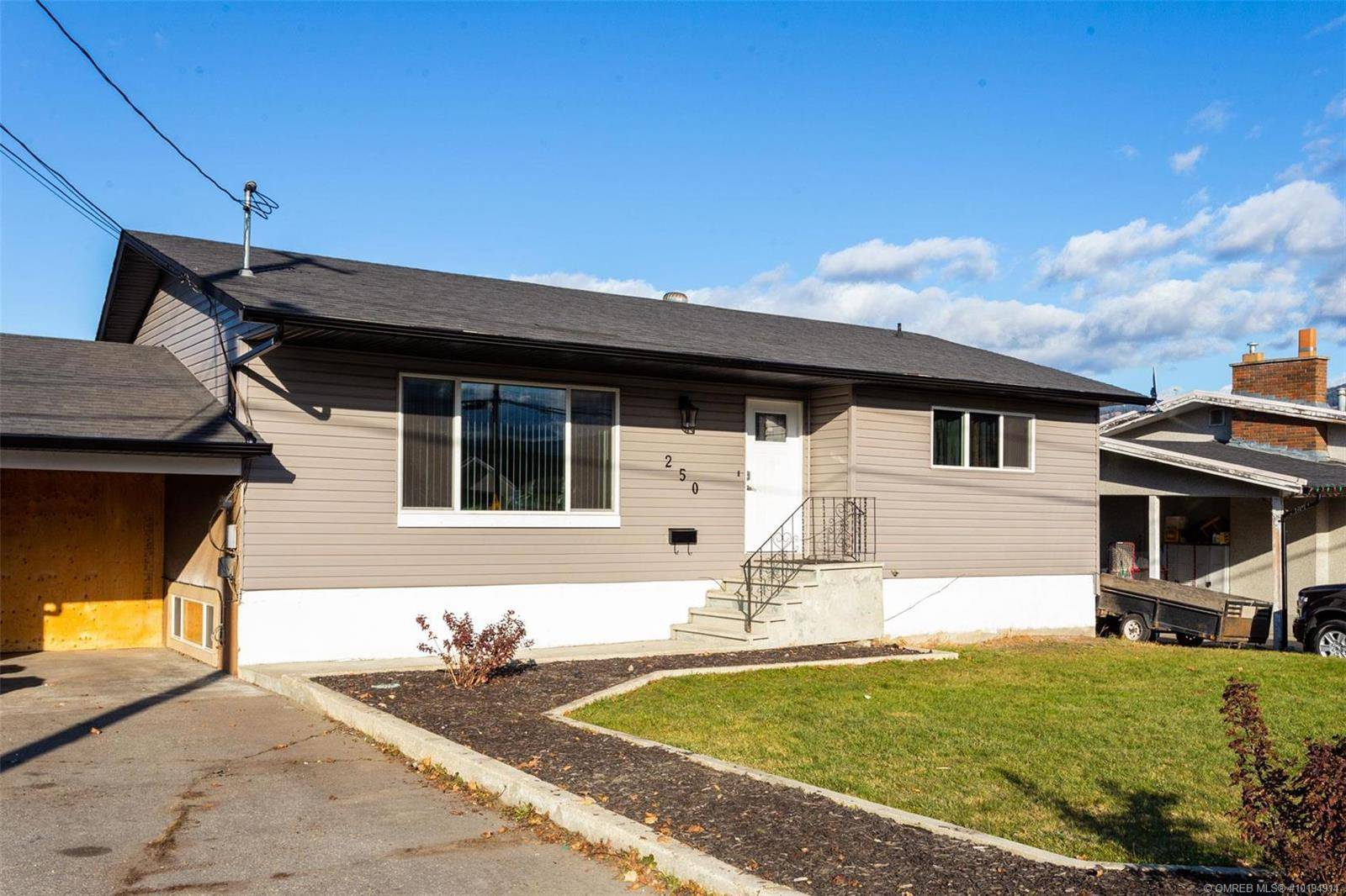 House for sale at 250 Bach Rd Kelowna British Columbia - MLS: 10194914