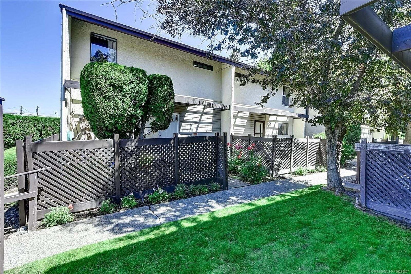 Townhouse for sale at 250 Briarwood Rd North Kelowna British Columbia - MLS: 10210807