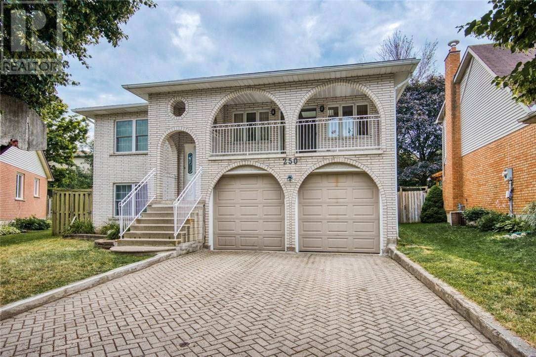 House for sale at 250 Old Country Pl Kitchener Ontario - MLS: 30752657