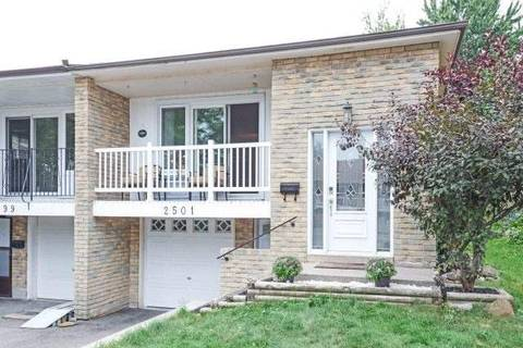 Townhouse for sale at 2501 Cobbinshaw Circ Mississauga Ontario - MLS: W4574947