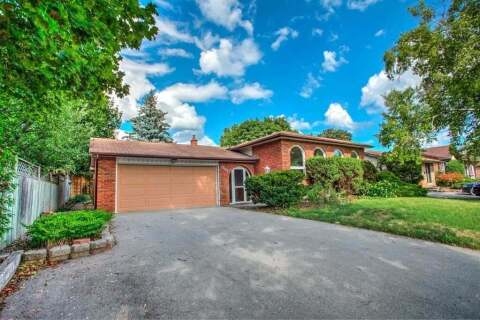 House for sale at 2502 Yarmouth Cres Oakville Ontario - MLS: W4869335