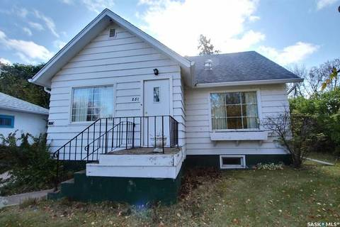 House for sale at 251 19th St W Prince Albert Saskatchewan - MLS: SK787161