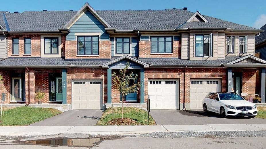 Townhouse for sale at 251 Avro Circ Ottawa Ontario - MLS: 1165981