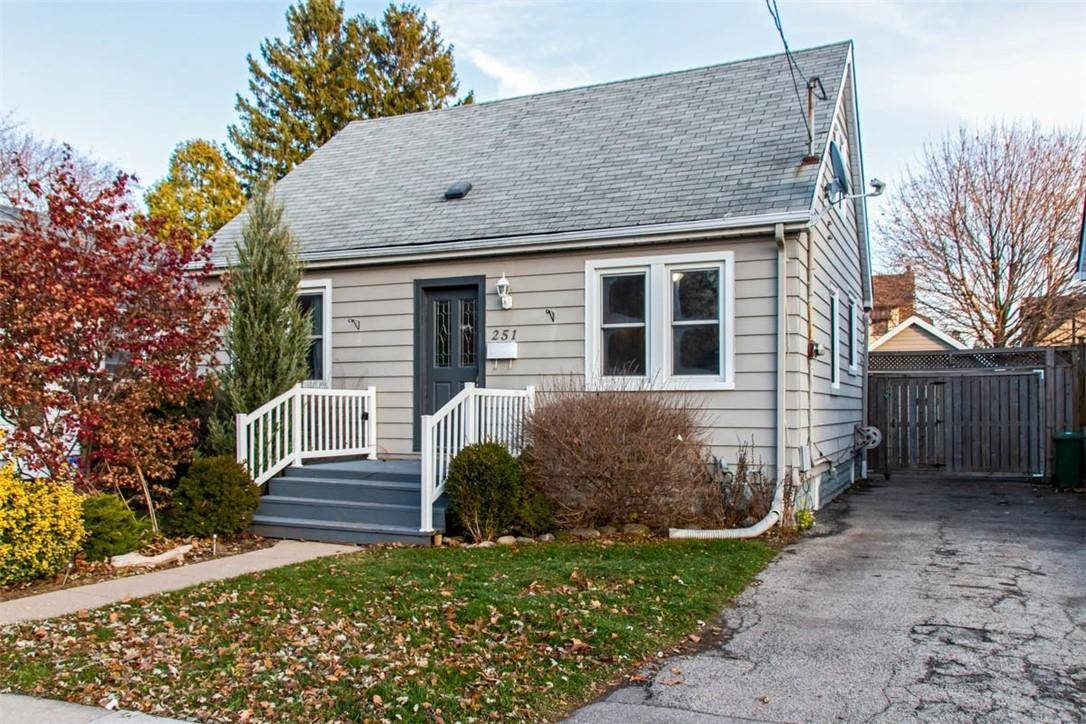 House for sale at 251 Cochrane Rd Hamilton Ontario - MLS: H4070453