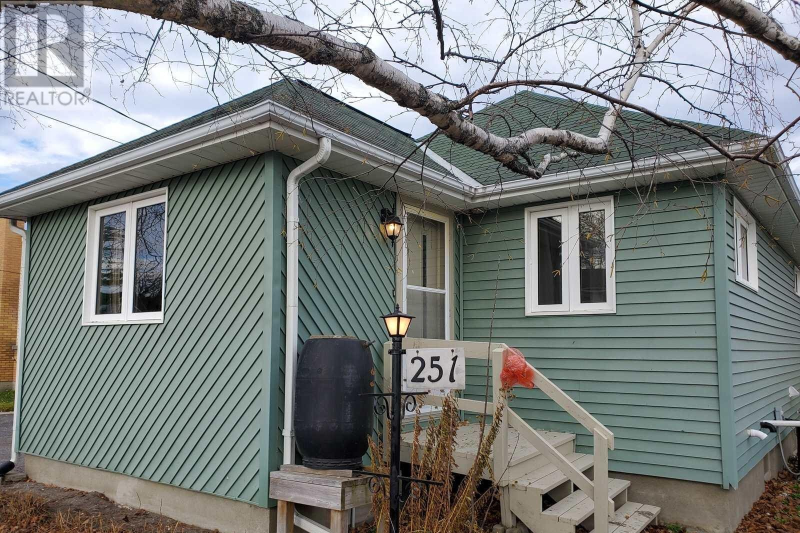 House for sale at 251 Mccamus Ave Temiskaming Shores Ontario - MLS: TM202226