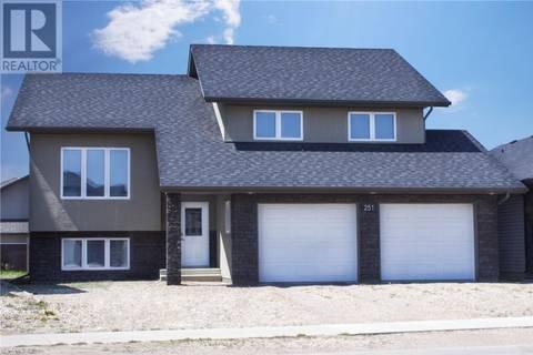 House for sale at 251 Zary Rd Saskatoon Saskatchewan - MLS: SK773076