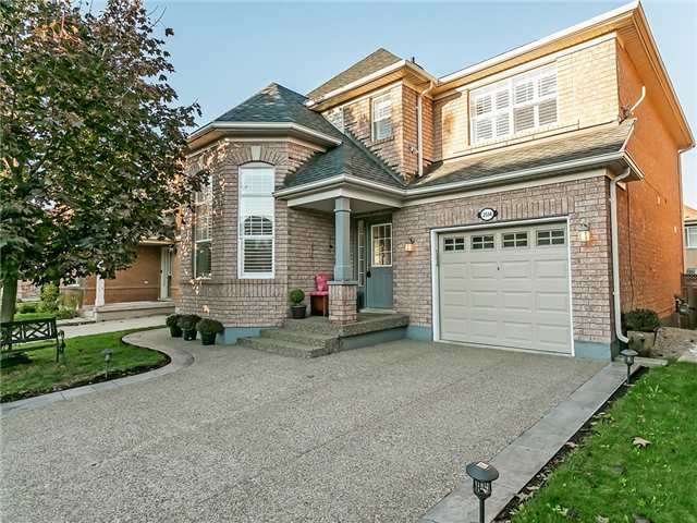 Sold: 2514 Falkland Crescent, Oakville, ON