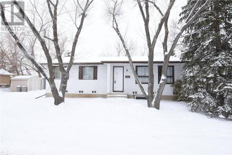 House for sale at 252 Cavendish St Regina Saskatchewan - MLS: SK797018