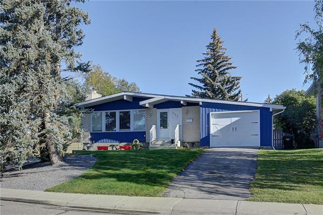 Sold: 252 Queen Alexandra Road Southeast, Calgary, AB