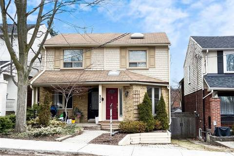 Townhouse for sale at 252 Roselawn Ave Toronto Ontario - MLS: C4734630