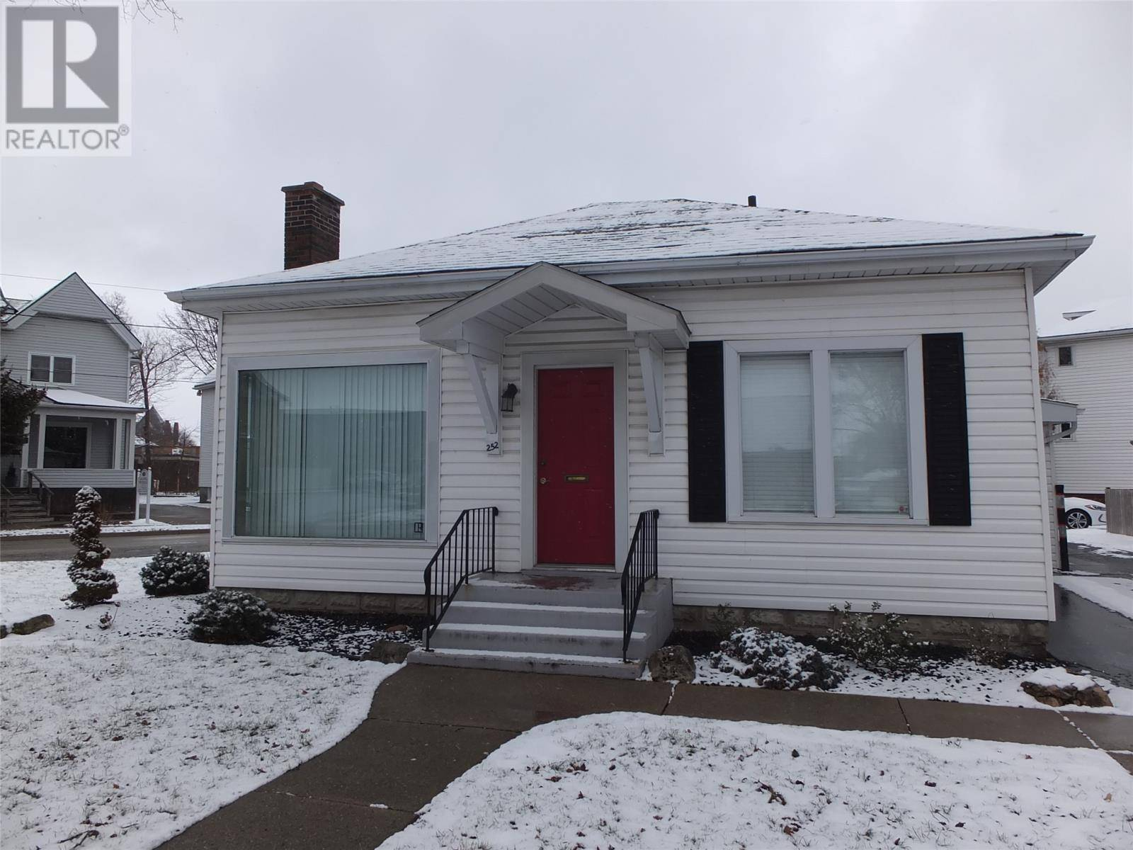 House for sale at 252 Wellington St West Chatham Ontario - MLS: 20001797